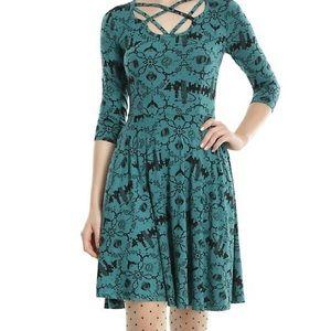Fantastic Beasts dress, Green and Black, Sz 24/26